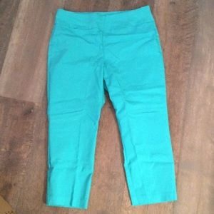 Alfani slim fit pull on Capri turquoise size 12
